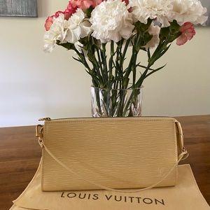 Louis Vuitton Epi Leather Pochette - Vanilla